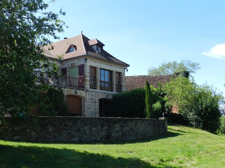 Appartement avec SPA dans maison en pierre typique