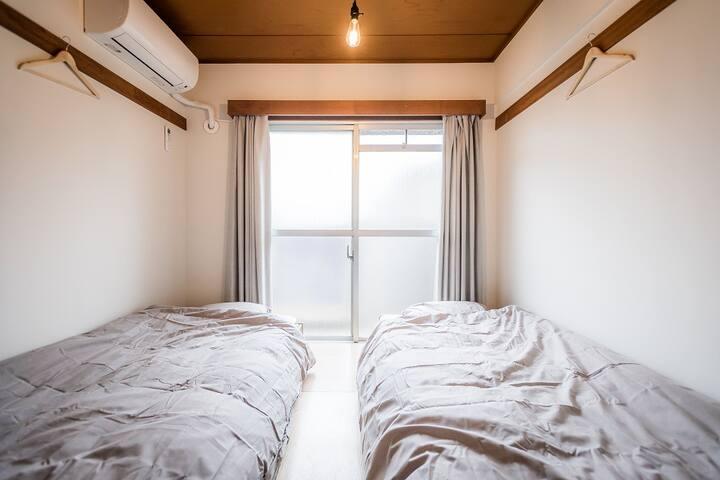 Western Styled Twin Room 2 (Shared Bathroom)