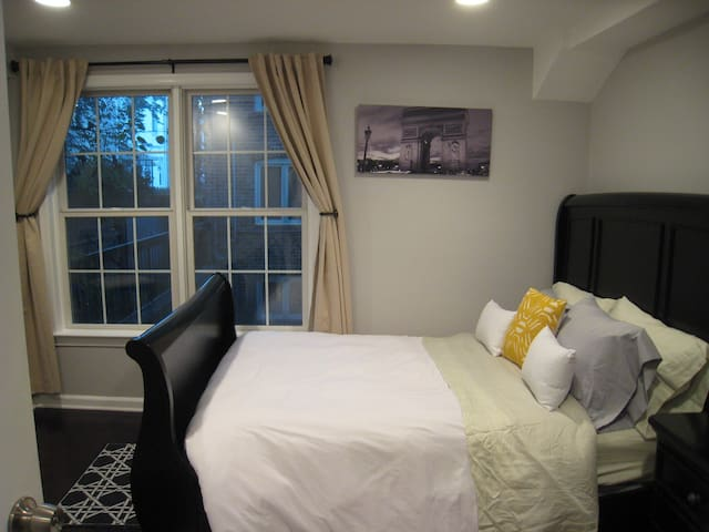 Perfect Georgetown Location - 3BR