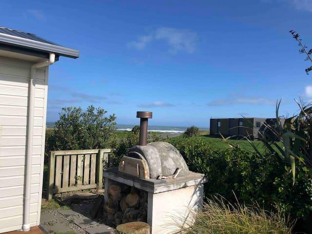 Anchors South - Waipipi Beach