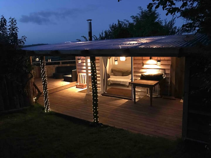 Rustic Lodge, Stunning views & star gazing bath