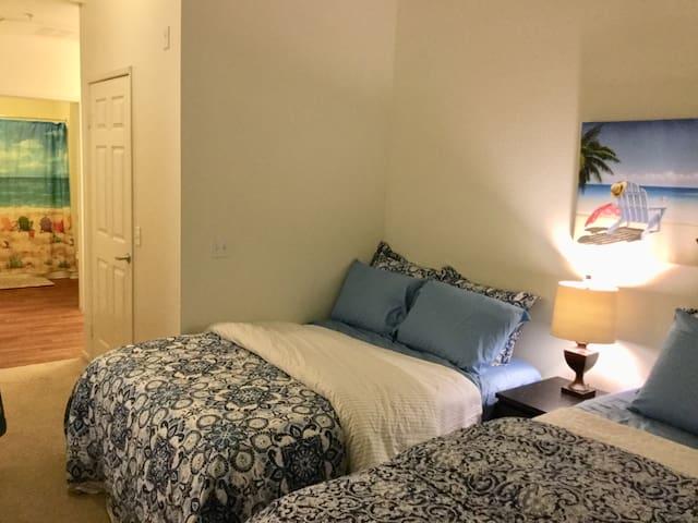 2 Bedroom - 3 Beds - La Jolla UCSD UTC