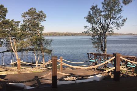 Lakefront Home with boat dock - Mount Juliet - 独立屋
