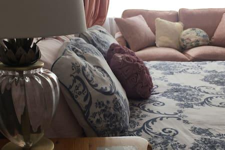 The French Room- Weyside House- Sleeps 2