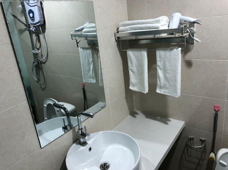 独立卫生间配套齐全!