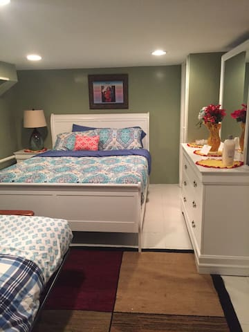 Beautiful Private Room - Queens - House