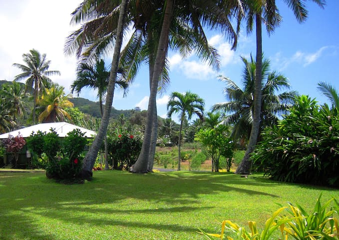 GETAWAY IN TROPICAL GARDENS-HOUSE 1 - RAROTONGA