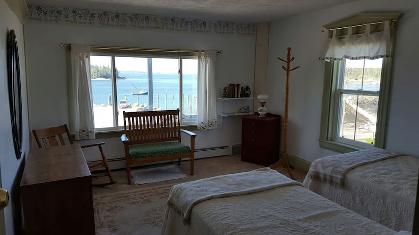 Private Room, breathtaking views - Lubec - House