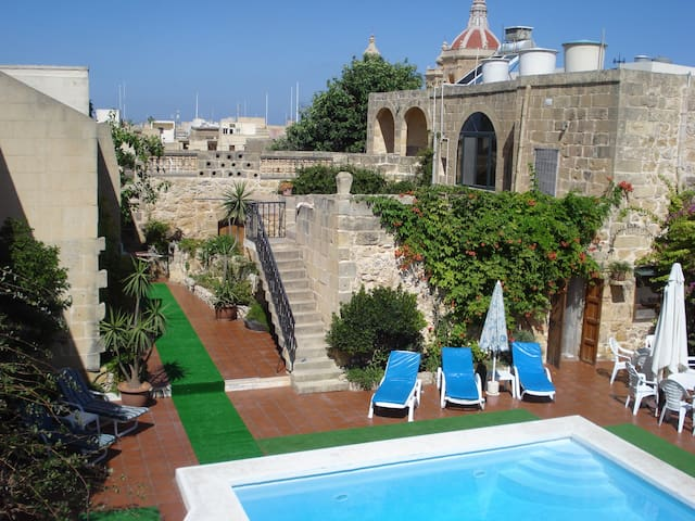 6 bedroom Farmhouse with pool - Xaghra - House