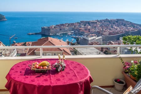 "Bedroom""A"" with a sea view Old town - Dubrovnik - Bed & Breakfast"