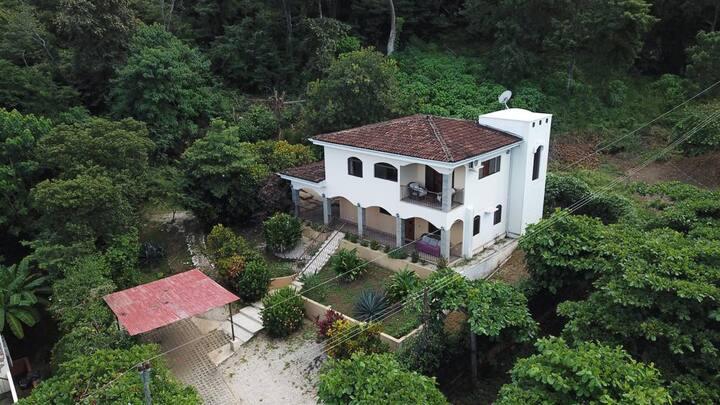 Casa Arias montañas Conchal