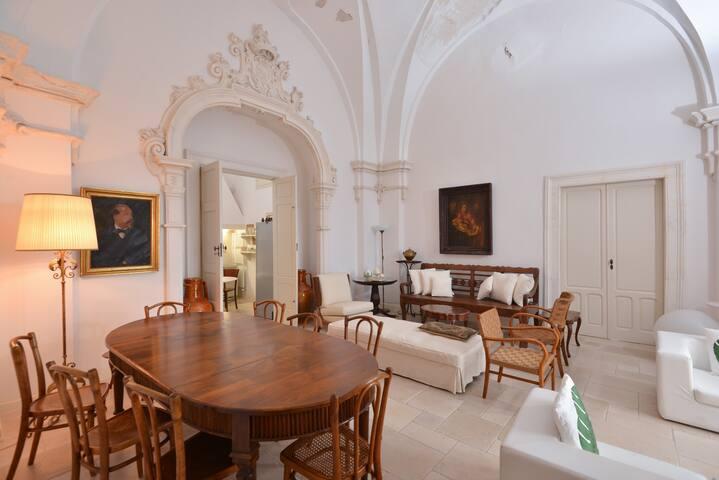 Appartamento in antico palazzo in centro storico. - Ostuni - Apartemen
