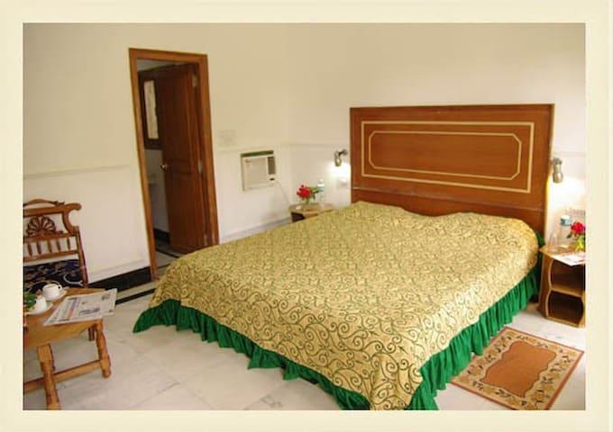 Hotel Zen Khajuraho