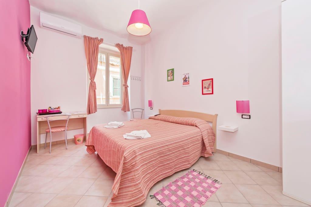 dama di roma rosa chambres d 39 h tes louer rome latium italie. Black Bedroom Furniture Sets. Home Design Ideas