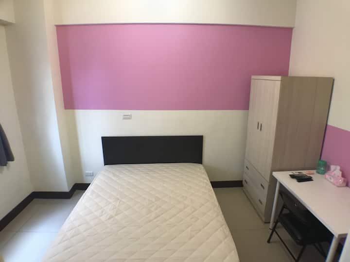 旅遊工作舒適雙人房/最短入住一個月 2C