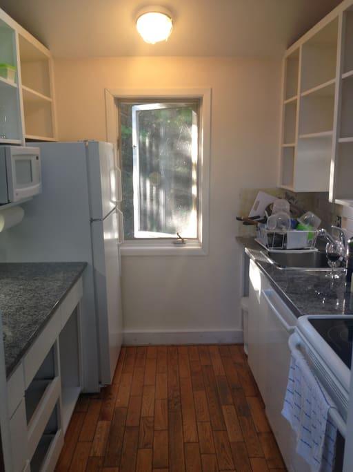 Full set of appliances, including a dishwasher