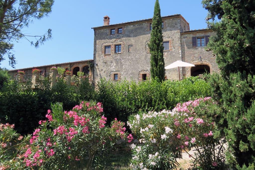 The hamlet Spicchiaiolona