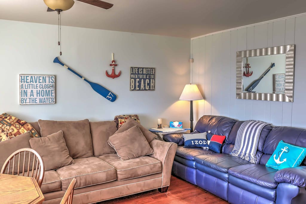 Everyone in your travel group can relax on the comfy couches in the living room.