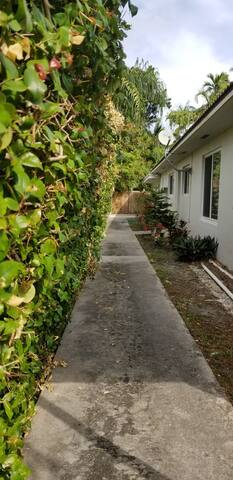 2 bedroom apartment with free parking Brickell