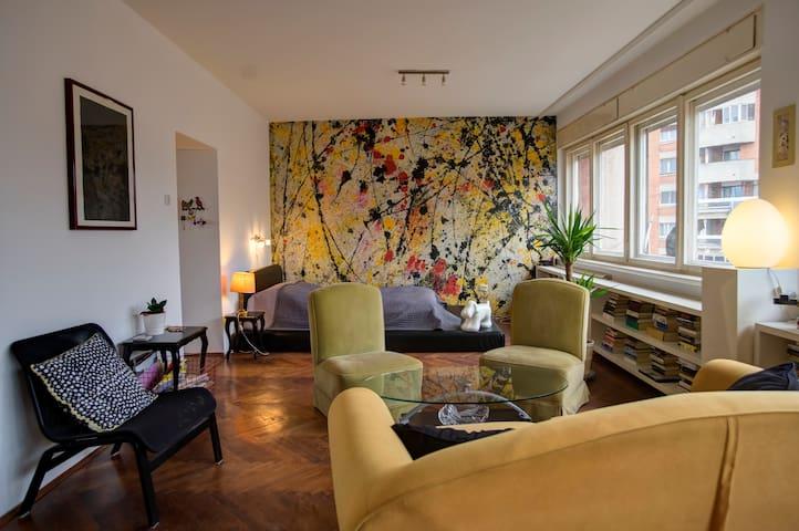 The Jackson Pollock Studio - hip neighbourhood