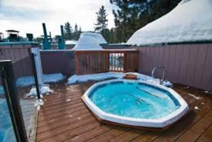 Near Heavenly with roof hot tub and BBQ!