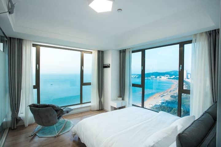 国际海水浴场/轻奢套房/四窗观碧海一步即沙滩