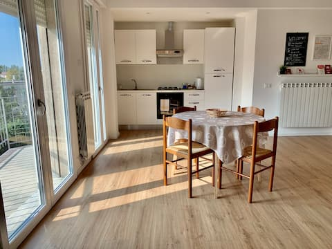 Treviso Station Apartment N7 Near Venice + Parking