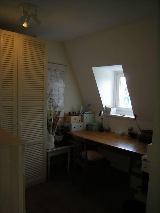 gem tliches zimmer zentral wohnungen zur miete in l beck schleswig holstein deutschland. Black Bedroom Furniture Sets. Home Design Ideas