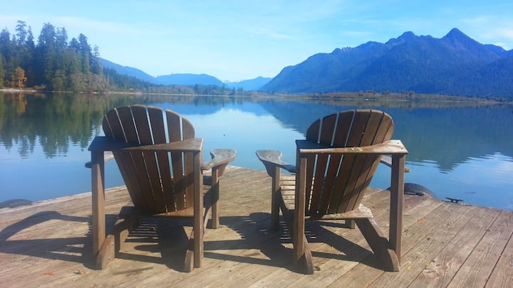 Cottage Peaks / Best View On Lake Quinault