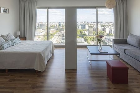 Apartment w/amenities, 21st floor panoramic view