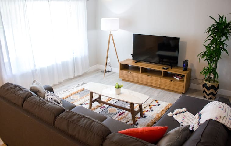 Modern, spacious and comfy home in Midtown Phoenix