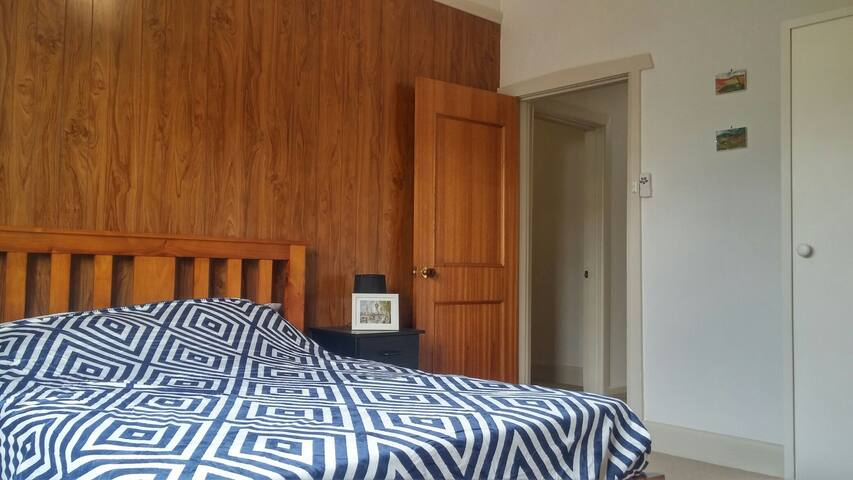 Double Room 20 mins to CBD, Airport - Essendon - Ev