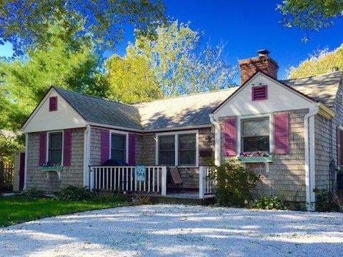 Rose Cottage on Alden Way