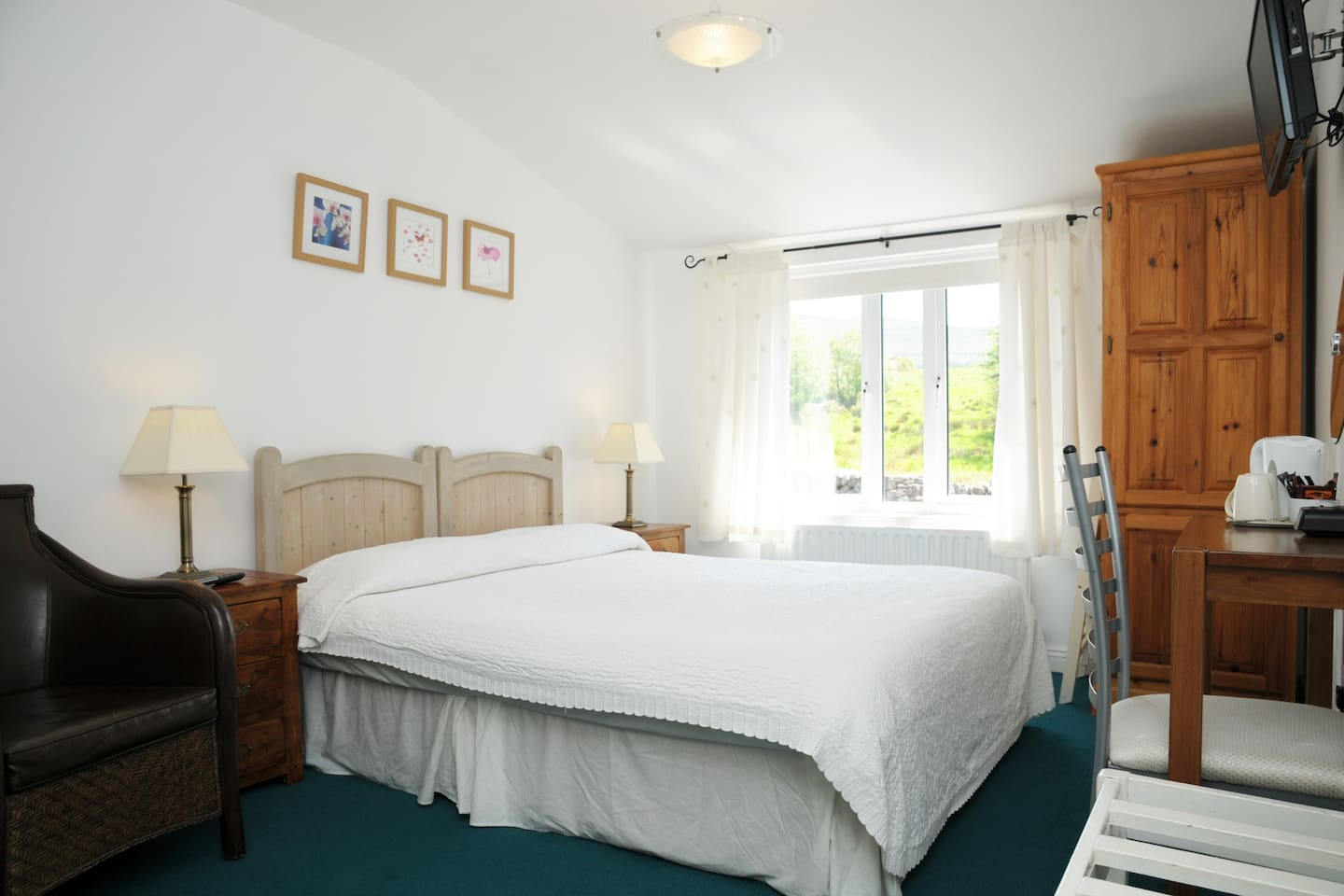 Annascaul Village Bed & Breakfast