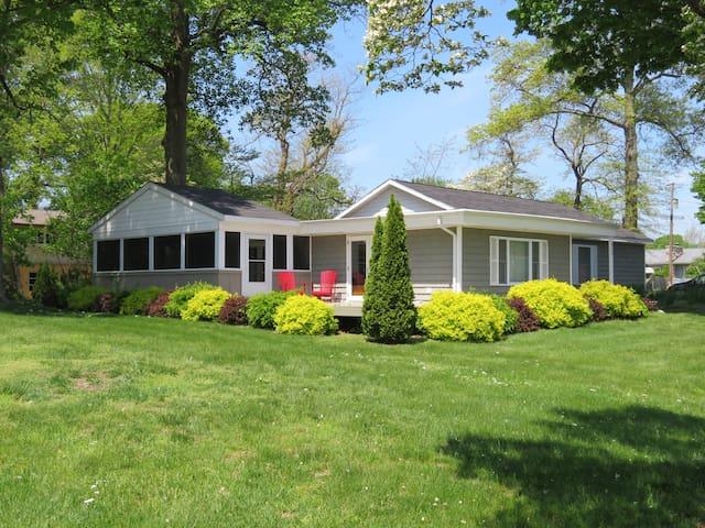 Private Coloma Lake House