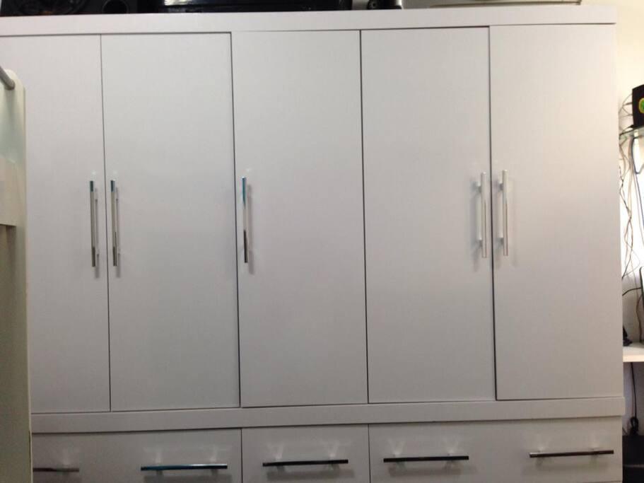 Guarda roupa 5 portas