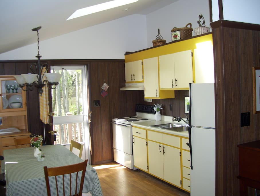 Kitchen with all the basics and a few extras.