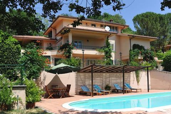 L'Uliveta - Countryhouse with pool close to Rome - Poggio Catino