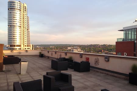 Luxury 2 bed flat w great terrace - Leeds - Huoneisto