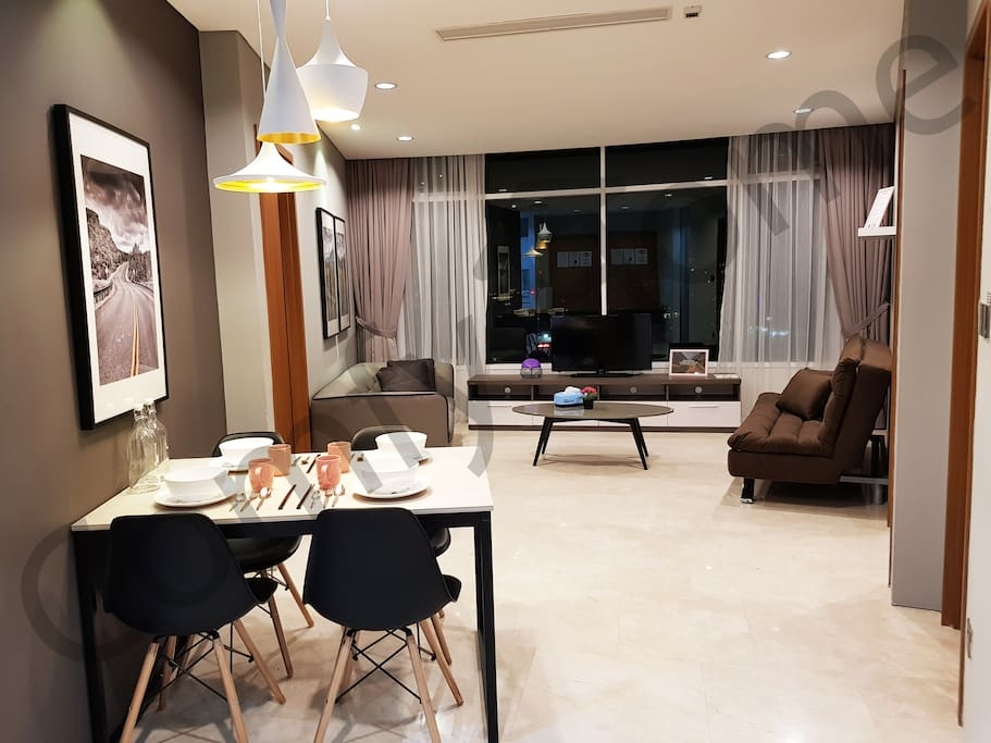 Luxurious Interior Design Apartment at 46 floor with KL Tower view / 2Bedroom/5-13pax , 5mins walk to KLCC&Monorail Station