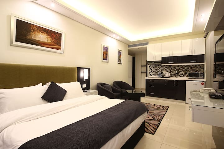 Palm Ville Suites Deluxe Room