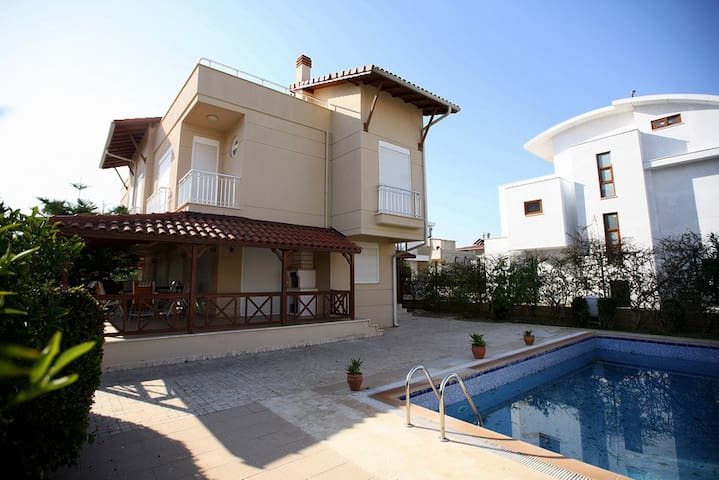 Paradise Villa - Белек - Huis