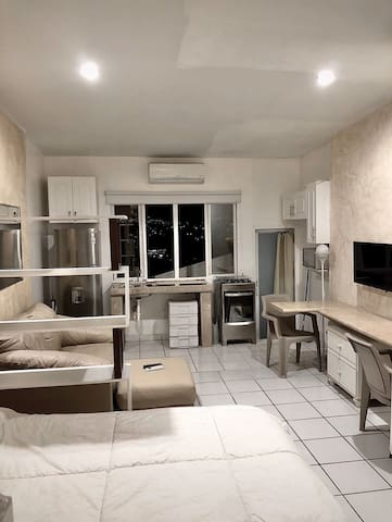 Modern & Luminous Studio-Apartment, Miraflores sur