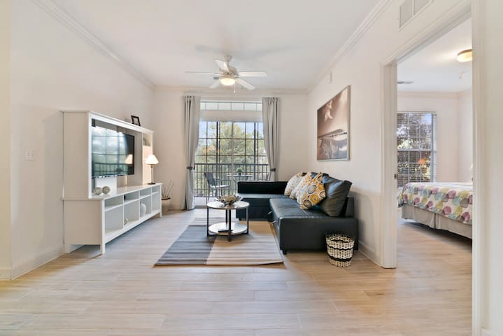 Lovely Condo!Unwind by the Pool +Near Disney Parks
