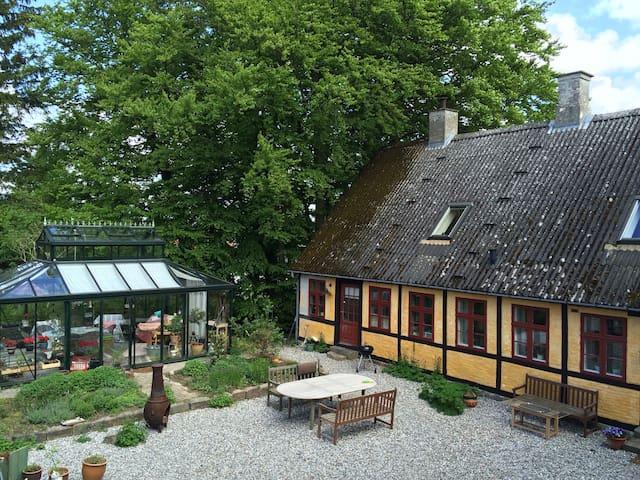 Bakkegaarden, værelse Rosa - Eskilstrup