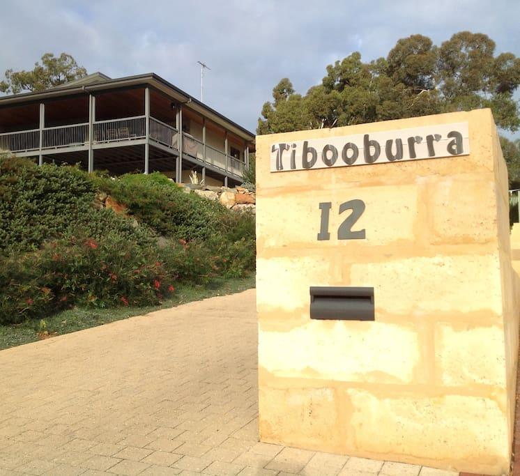 Tibooburra B & B Kalamunda Road entrance