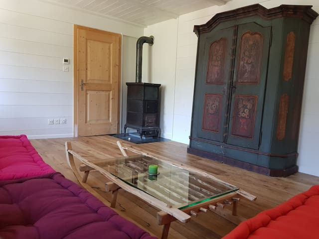 Charming 3 room flat with view next to the slopes