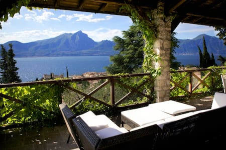 Lake Garda large apt. Torri Verona - Appartement