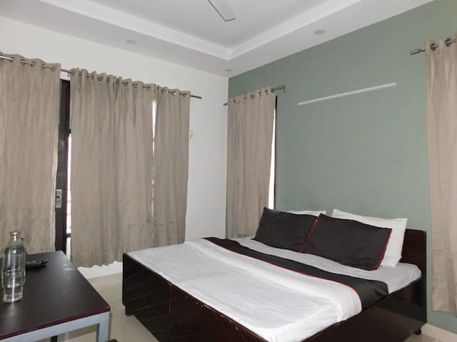 Shared rooms at lowest price