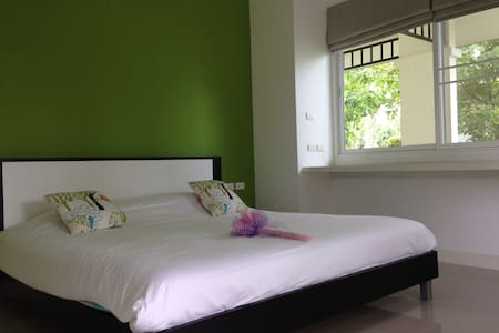 1 Green BD villa with Lake View - Thalang - Bed & Breakfast